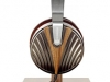 edition-10-headphones_3_52